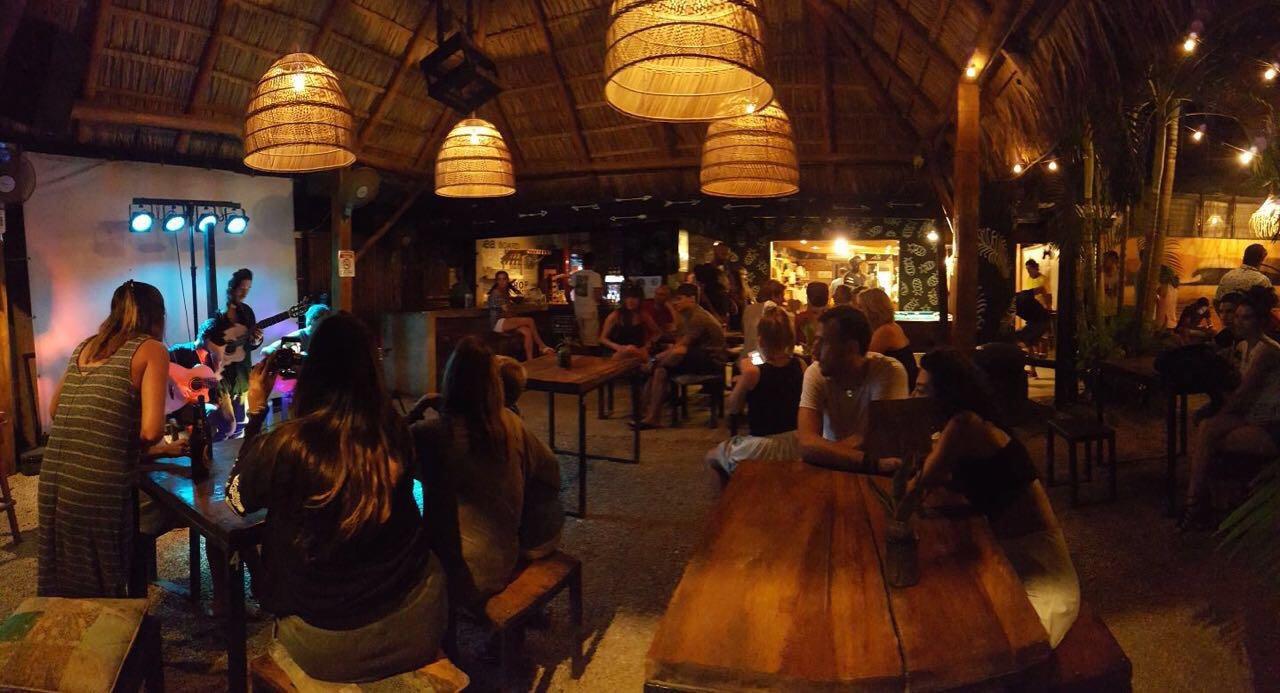 La Cabina Bar : La cabina ristorante at the prestige inn radium hot springs