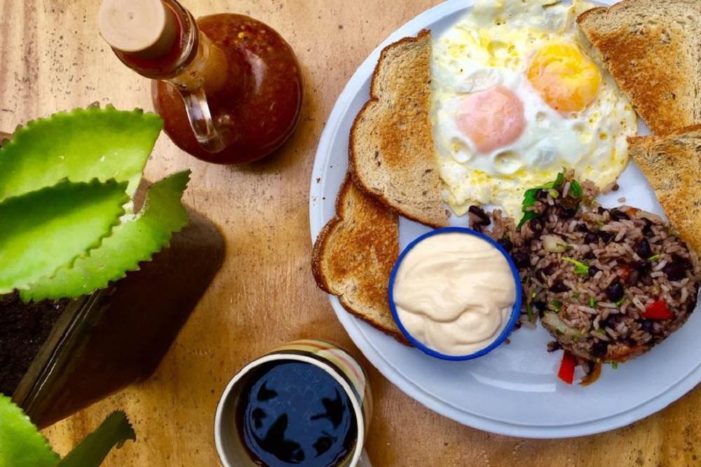 Breakfast - La Oveja Negra Mexican Bar and Restaurant Tamarindo