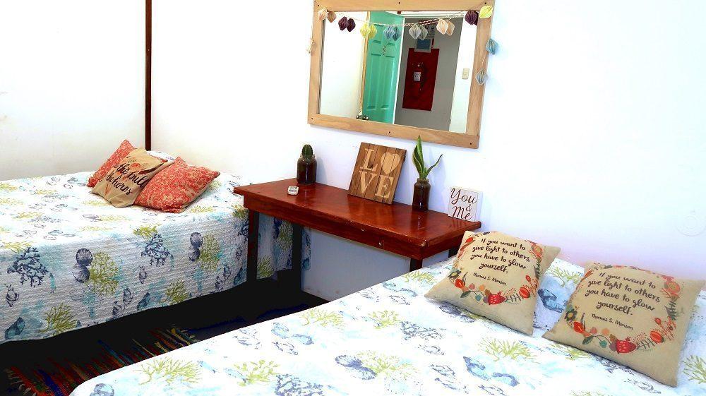 Private Room - La Oveja Negra Hostel and Surf Camp Tamarindo Costa Rica