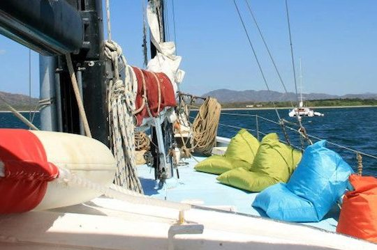 Antares Sunset Cruise - La Oveja Negra Tamarindo Tours