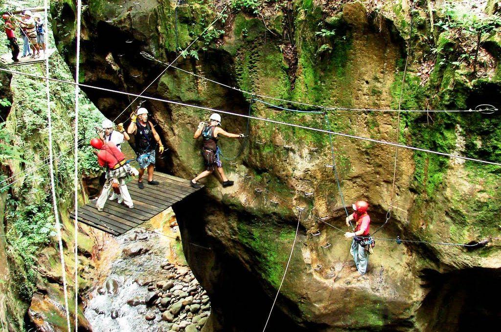 Rappel - Guachipelin Adventure Combo - La Oveja Negra Tamarindo Tours
