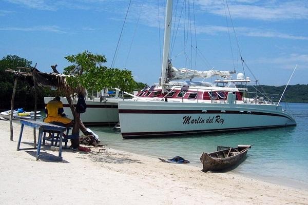 Marlin del Rey Sunset Cruise Tamarindo - La Oveja Negra Tamarindo Tours