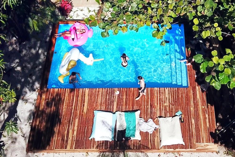 Pool - La Oveja Negra Hostel & Surf Camp Tamarindo