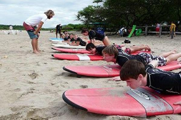 Tamrarindo Surf Lessons - La Oveja Negra Tamarindo Surf Camp